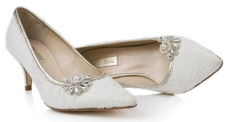 4666efc4750b 15 Trendy and Perfect Wedding Shoes for Brides 2018 ...