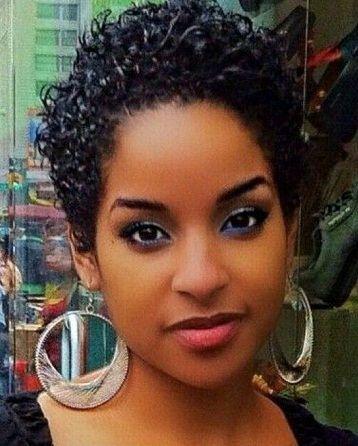 25 Cele Mai Bune Coafuri Pentru Fețe Rotunde Cu Imagini Stiluri De
