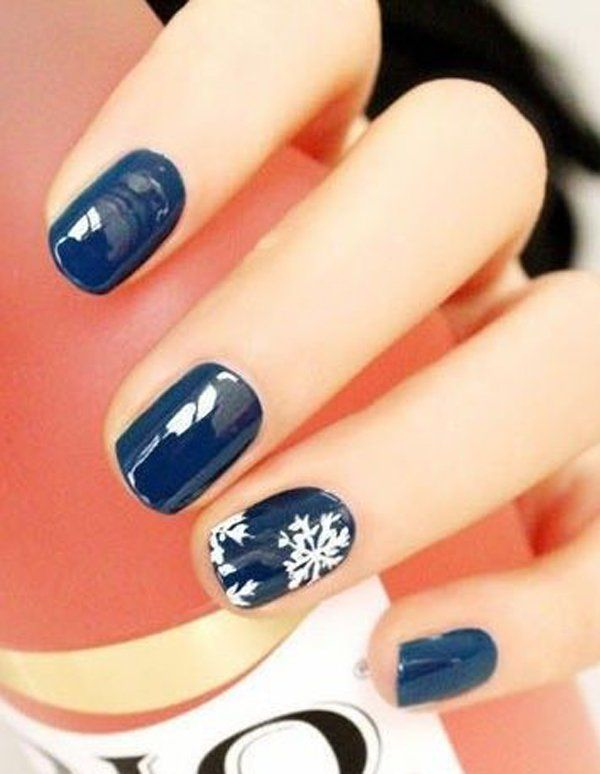Elegant blue with sonw nail art