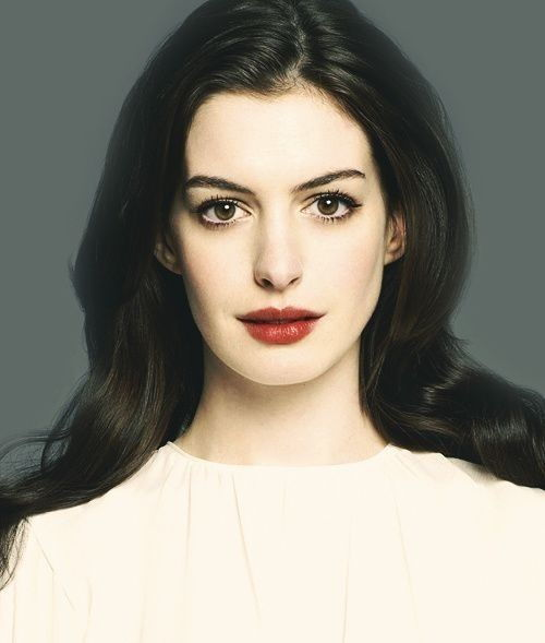 Anne Hathaway Brothers: Anne Hathaway Bra Size Height Weight
